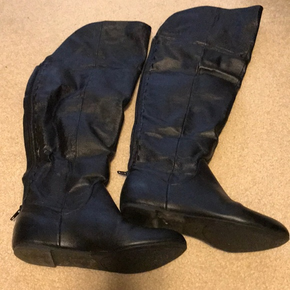 Chinese Laundry Shoes - Size 7 over the knee black flat boots